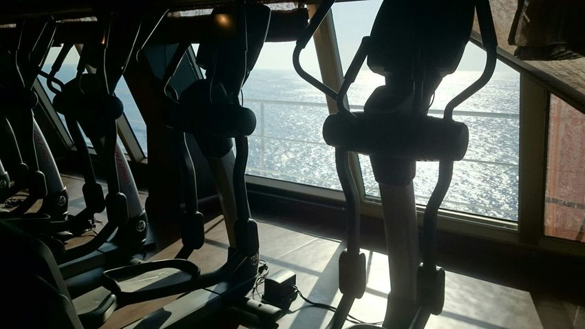 Creative Light And Shadow Fitness Time In The Sea Fit Fit n firm in the sea.So relax!