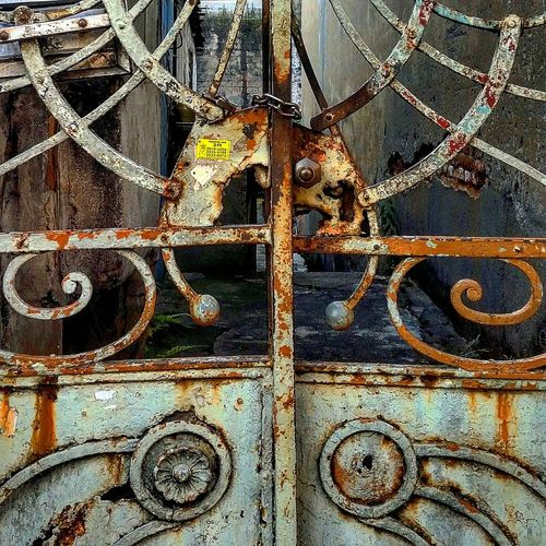 Urbanphotography Beauty Of Decay Street Photography Rustic Textures And Surfaces Urbanexploration Detailsofdecay Rustygoodness Gates Paint Decay