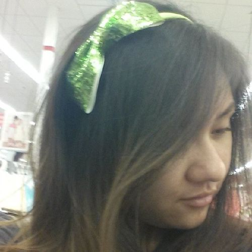In love with this headband! It's my favorite color and sparkles lol Limegreen Sparkles Shouldigetthis Todayisagoodday