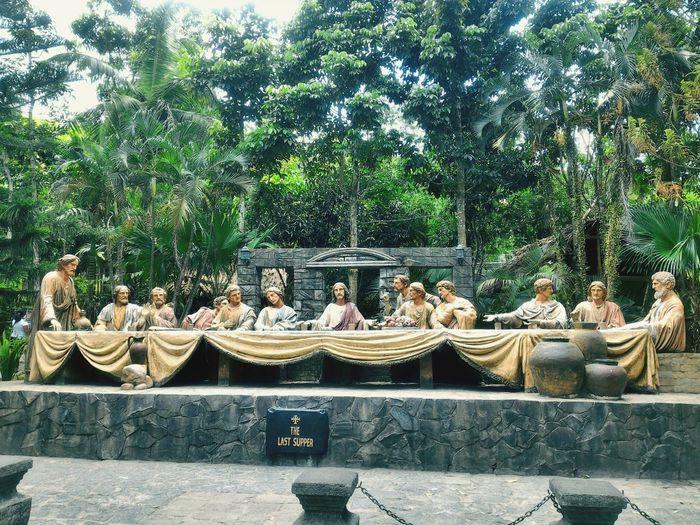 The Last Supper The Last Supper Good Friday Kawa Kawa Hill, Ligao City Sculpture Statue