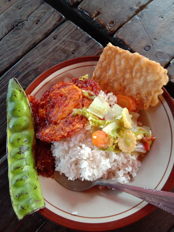 food traditional Food Food Traditions INDONESIA Rice Pete  Tempe Makan Sarapan Breakfast Lunch Delicious Plate Main Course Rice - Food Staple Close-up Food And Drink