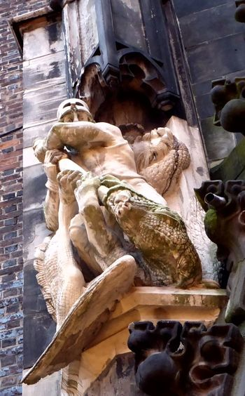 Love Skulptures Skulptur At A Church Loookingup Skulptur Impressions Hannover-City For My Friends 😍😘🎁 Sculpture
