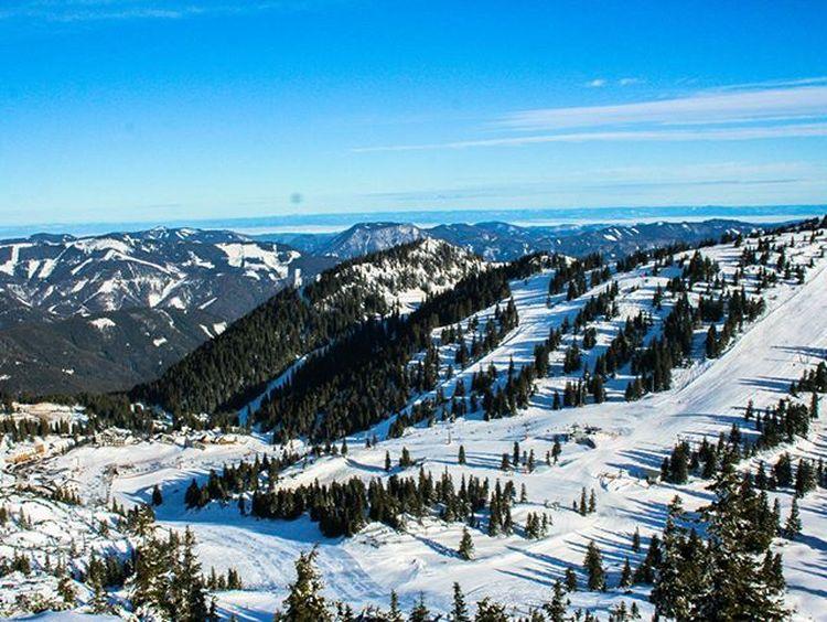 on the top of the mountains Skiing Sunnyday Skitrip Bluesky Whitesnow