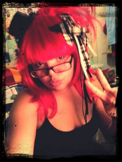 Re styled my old red wig again~ totally wearing it to work tomorrow (maybe without the hat~ xD)