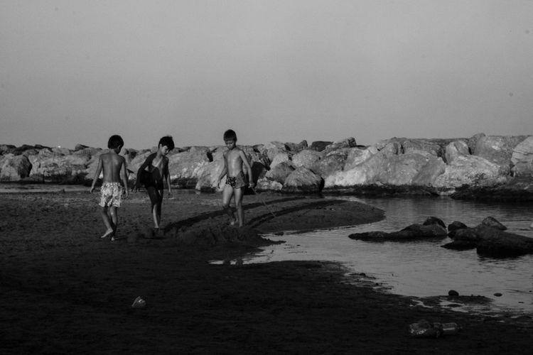 Les Beaux étés By The Sea Capture The Moment Monochrome Photography Live For The Story
