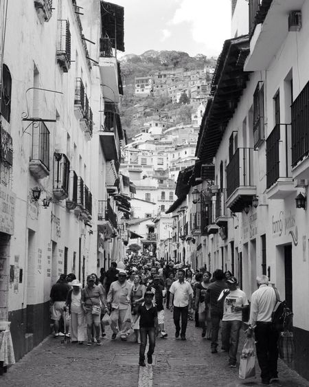 Architecture Architecture_bw Architecture_collection Architecturelovers Black & White Black And White Black And White Collection  Black And White Photography Black&white Blackandwhite Blackandwhite Photography Bnw Built Structure Bw Crowd Crowded Large Group Of People Mixed Age Range Nsbmexico Taxco  Tourism Town TOWNSCAPE Travel Destinations Walking