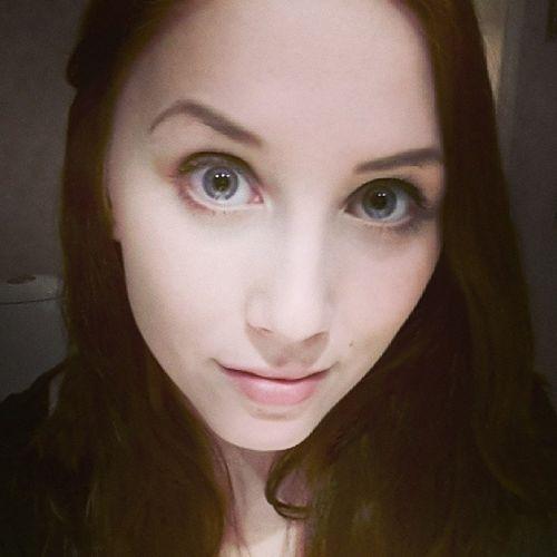 håret blev mörkare rött än tänkt. men då är det kanske ett steg närmare brunt? Hartråkigt Vantar Bajs