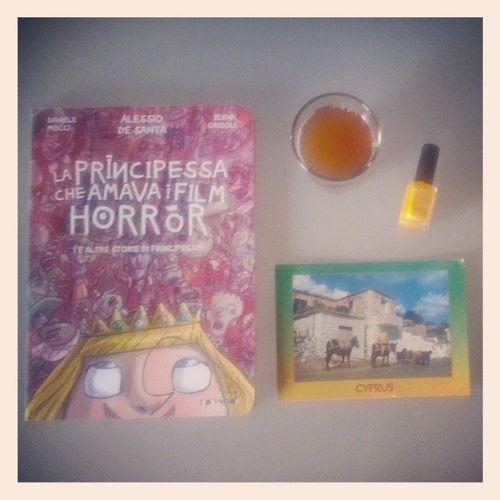 Inmymailbox questa mattina, una Cartolina da Cipro e La Principessa che amava i film Horror di @tunue