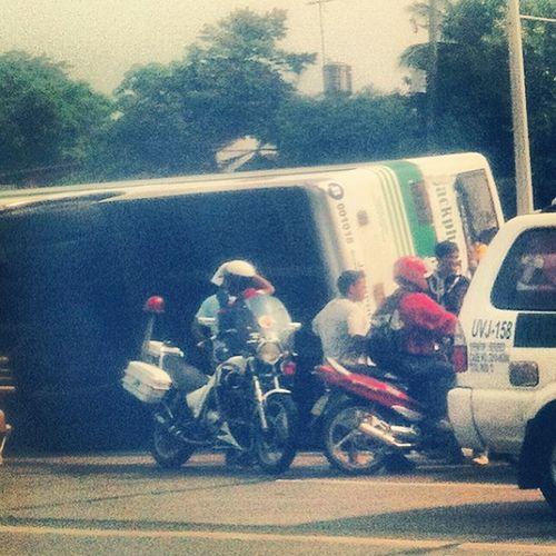 Kala ko ba may speed limit sa commonwealth? @mmda 60max Killerbus