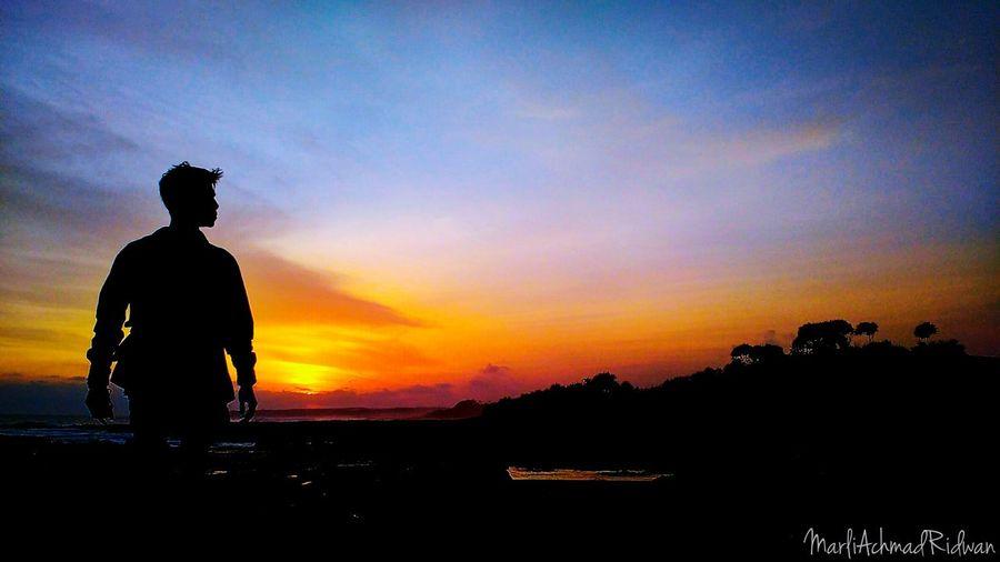 Sunset Silhouette Beach Cameraphone ExploreJawaBarat Exploreindonesia Beachlife Enjoying Life Hello World Check This Out Relaxing