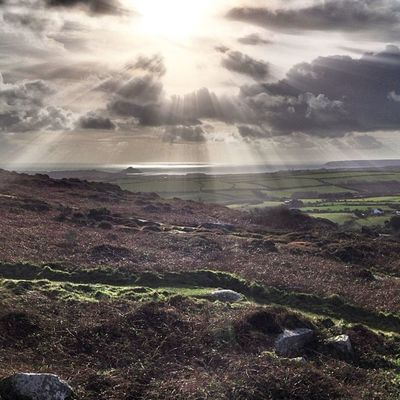 St Michael's mount from Trencrom #cornwall #improvedimage #stmichaelsmount #trencrom #landscape #rays Landscape Rays Cornwall Stmichaelsmount Improvedimage Trencrom