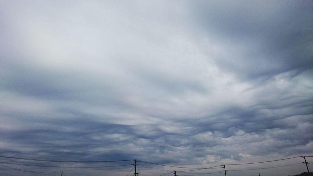 Stratocumulus Dramatic Sky Storm Cloud Sky Clouds And Sky Cloudscape Cloudporn Cloud And Sky Sky And Clouds Skyporn Skyscape Skylover Cloudlovers Mobile Photography Japan
