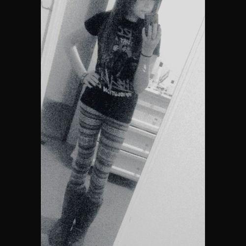 follow my Instagram @hey.its.anna.cx Selfie Mirrorselfie Cute Teen Teengirl Scene Girl Emohair Scenehair Cuteteen First Eyeem Photo