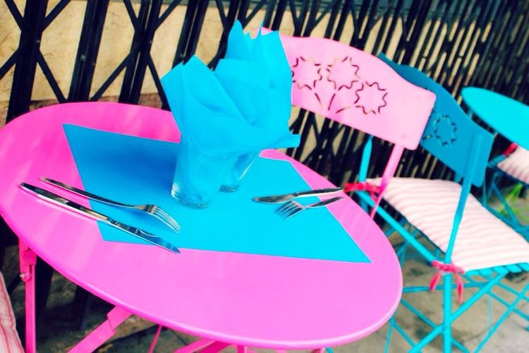 France Montpellier French Dining Pink Blue Outdoor Seating Table Chair Traveling Travel Europe EyeEm Best Shots Colorful
