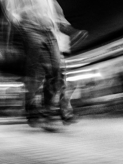 Human Body Part Real People People Movimiento Speed Shadow Light Luz Argentina Blanco Y Negro Black And White The City Light One Person Transportation Una Persona Movement Let's Go. Together.