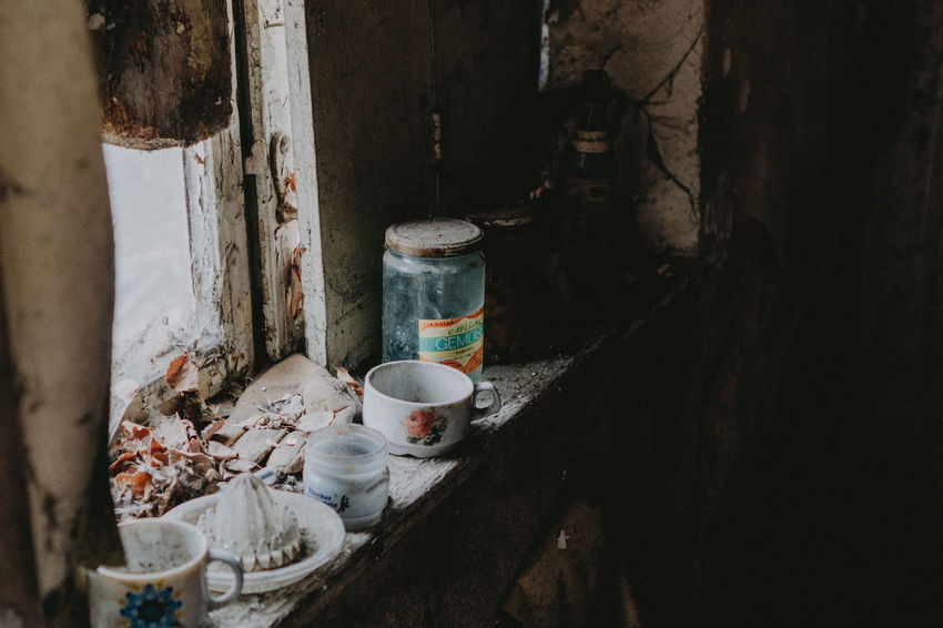 Abandoned Places Berlin Exploring Abandoned Day Indoors  Jars  Messy No People Plate Urban Urbex