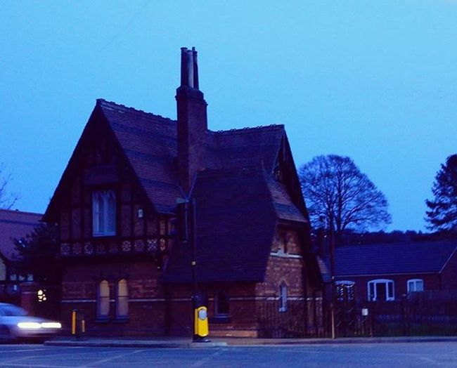 The Gingerbreadhouse at Brant road/ Hykeham Road in Lincoln www.facebook.com/melaniecycles Urbanphotography Photography Photos Lifethroughalens Cyclephotography Buildings Architecture Nikon Nikon_photography Nikons9900 Commutebybike Wintercycling Urbancycling Nightcycling Cyclelights Cyclelikeagirl Lincoln