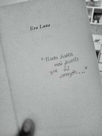 Entre líneas. Books ♥ Text No People
