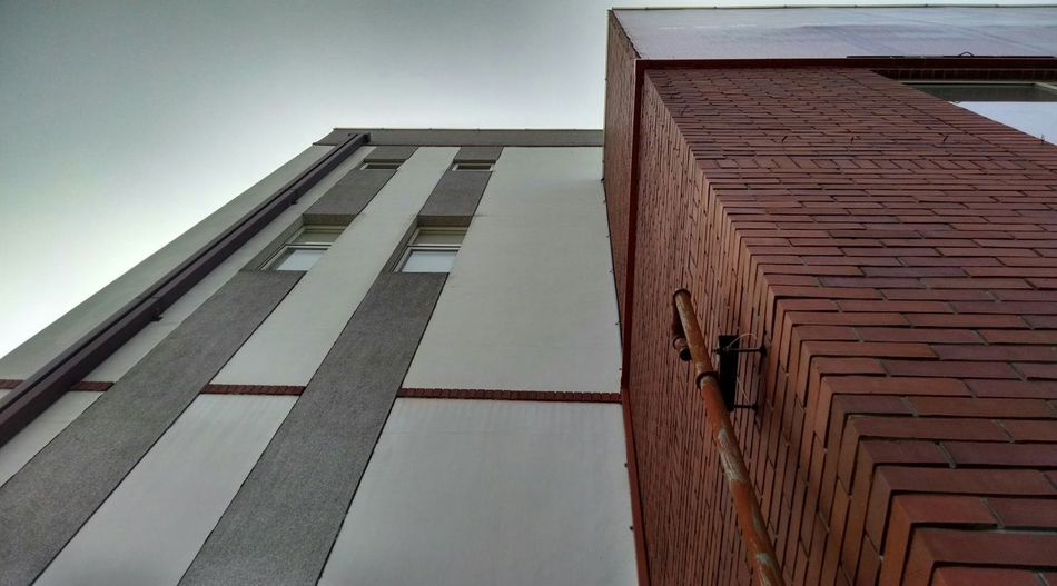 Building Streetphotography Architecture Exterior Low Angle View Structure Wall Wall - Building Feature