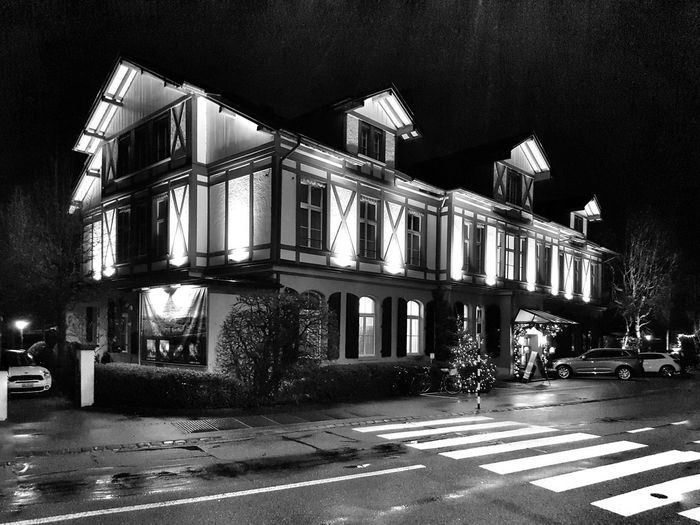 Innere Enge Blackandwhite City Illuminated Architecture Building Exterior Built Structure Zebra Crossing Crossing Road Marking