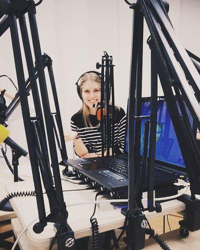 ''Vous êtes bien sûr radio RG, il est 8h'' Revuedepresse Infocom StudioLife