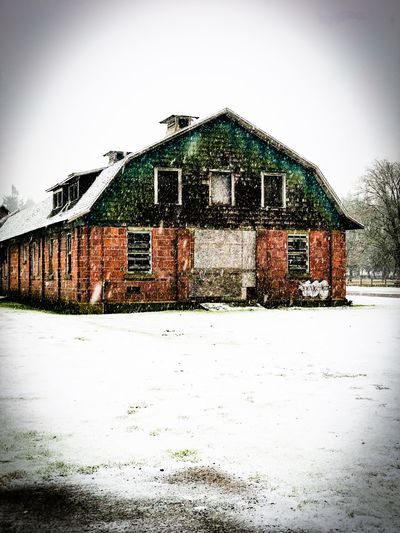 Farm house in the winter Mobilephotography #Iphoneography #iPhone Seattle Architecture Building Exterior Built Structure House No People Snow Window Outdoors Day