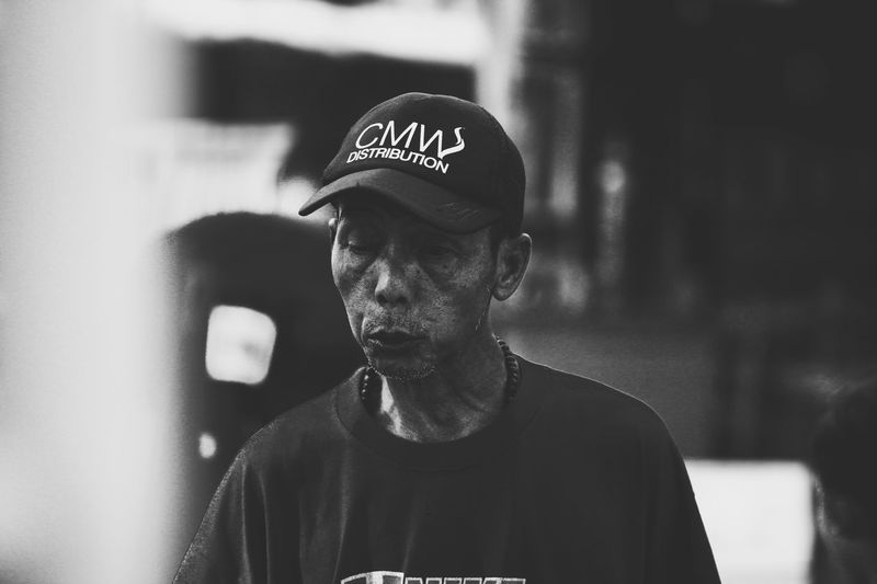oldman with hat Black And White Photography Black And White Canon Indonesia Photography Canon Nikon Leicacamera Human Interest Street Shot Street Photography Bw Street Photography Colour Street Photography - EyeEm Awards 2016 Street Photography Collection Gemarmotret Streetphotography Real People One Person Young Men Cap Lifestyles Front View Headshot Portrait Men