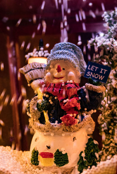 Schneemann Weihnachten Weihnachtsbaum Weihnachtsdeko Weihnachtsdekoration Weihnachtsstimmung Weihnachtszauber  Weihnachtszeit Close-up Day Doll Figurine  Human Representation Indoors  Male Likeness No People Religion Sculpture Snowman Spirituality Statue Text Weihnachtsmarkt