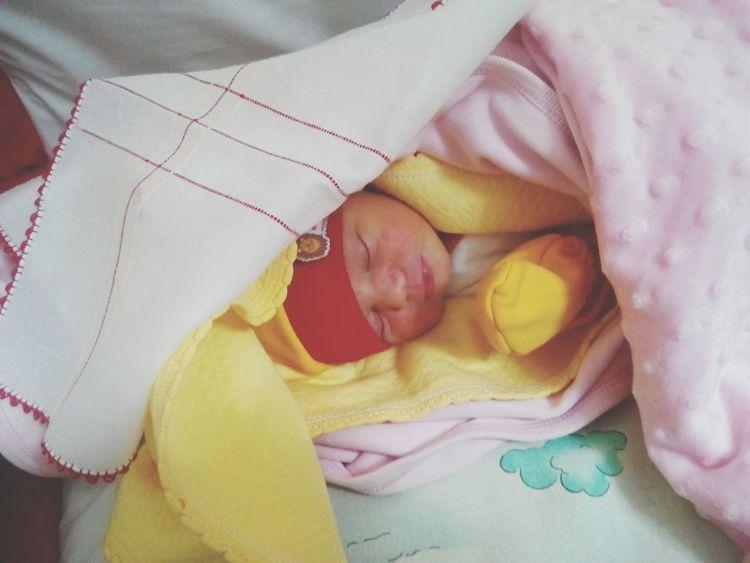 Baby Newborn NewBorn Photography o daha 1,5gunluk masallah deyin