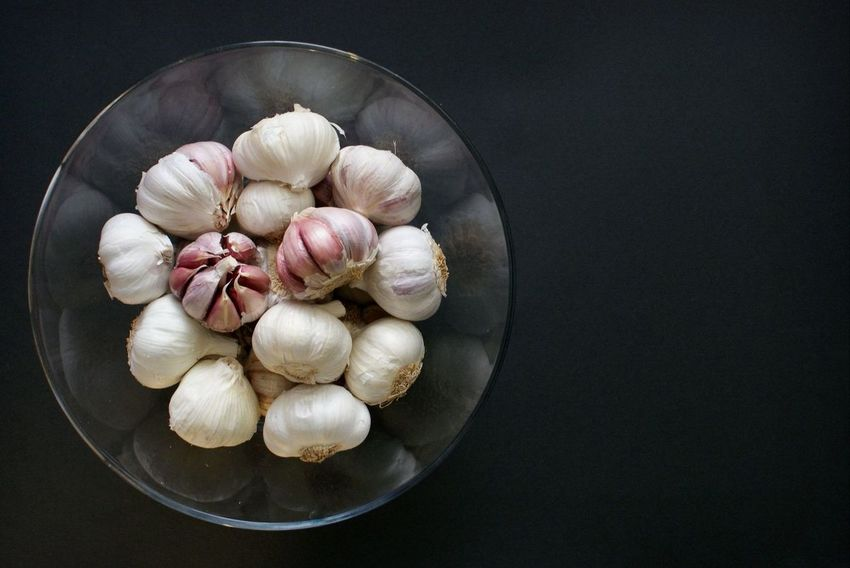 Garlic take II. Foodphotography Food Food Photography Garlic Bulbs Vegetables Photo Vegetables Bowl Foodphotographer White Color Black Pink Food Porn Awards Creativity Photos Cover Cooking Cooking Book Book Cover Millennial Pink