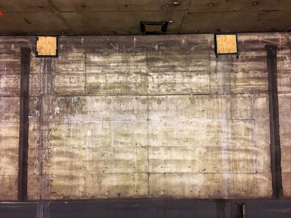 Beton, U-Bahn, München, Sendlinger Tor, Sanierungsarbeiten, wand, Hintergrund, schmutzig, alt, modernisieren, No People Built Structure Old Wall - Building Feature Architecture Pattern Wood - Material Textured  Backgrounds Wall Stained Weathered Metal