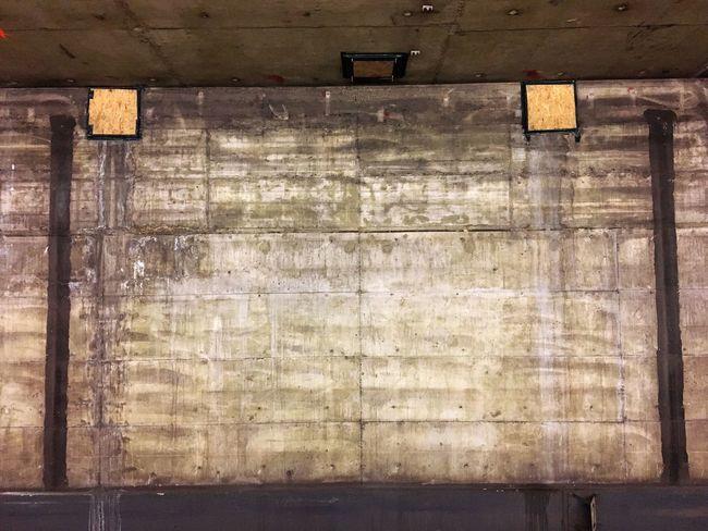 Beton, U-Bahn, München, Sendlinger Tor, Sanierungsarbeiten, wand, Hintergrund, schmutzig, alt, modernisieren, No People Built Structure Old Wall - Building Feature Architecture Pattern Wood - Material Textured  Backgrounds Wall Stained Weathered Metal