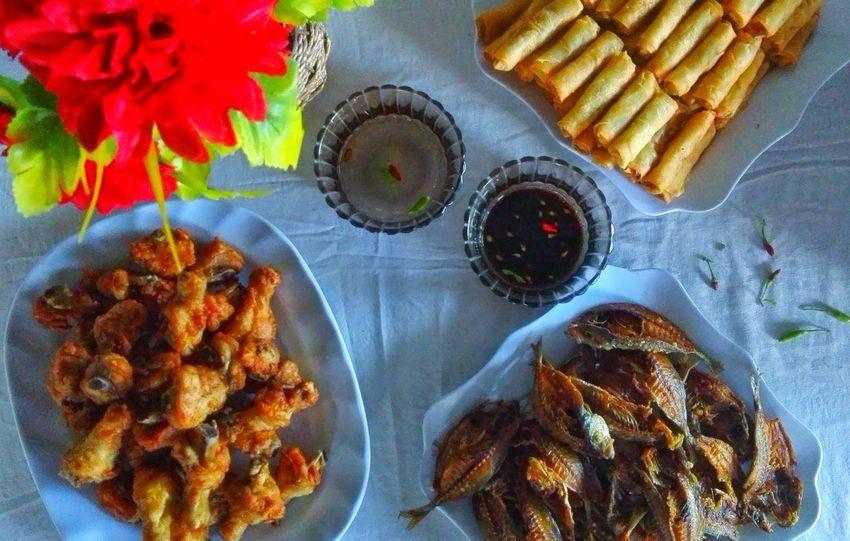 Pagkaing Pinoy (Filipino Food)The Photojournalist - 2017 EyeEm Awards Food EyeEmNewHere Live For The Story Delight  Tuyo Pagkaing Pinoy PritongManok Kain