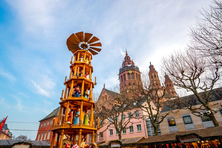 Christmas Market, Mainz, Germany Architecture Cathedral Christmas Christmas Market Church Cityscape Holiday Holidays Pyramide Weihnachtsbaum Architecture Building Exterior Christmas Decoration christmas tree City Mainz Sky Weihnachtsmarkt