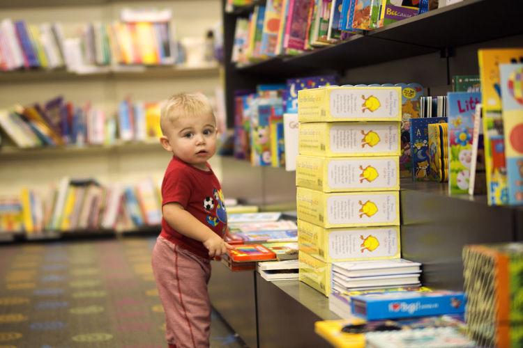 We love books! Baby Baby ❤ Babyboy Booklover Books Books ♥ Booksamillion Bookstore Bookworm Boy Child Childhood Library Portrait