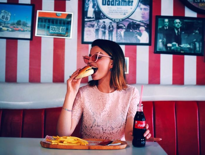 prom Hamburger Fashion Photography Model Photo Photography Photooftheday Minimalism Prishtina City EyeEm Gallery Eye4photography  EyeEm Best Shots Photoshoot Fast Food Women Sitting Hot Dog Food And Drink The Fashion Photographer - 2018 EyeEm Awards