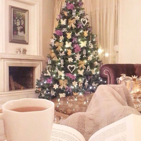 Merry Christmas! Christmas Tree Christmas Time Coffelover Reading Coldoutside Bye Bye