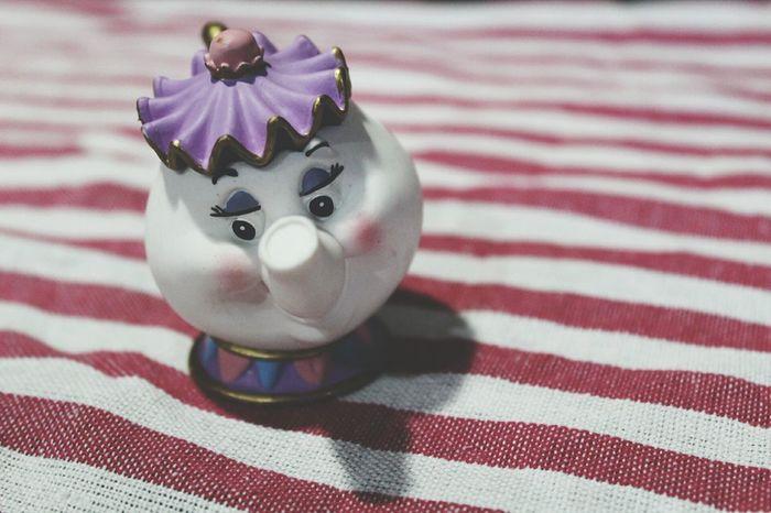 EyeEm Selects Disney Labellaelabestia Teiera Miss Cartoni Animati Infanzia Statuina Giocattolo Righe Macro Dettagli Decoration No People Pink White