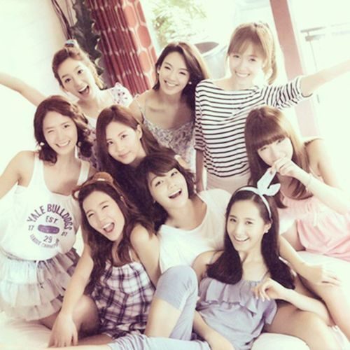 August 5, 2013 9girls6eneration Gg 6 6yearwithSNSD HappyAnniversary6yearSNSD ♥