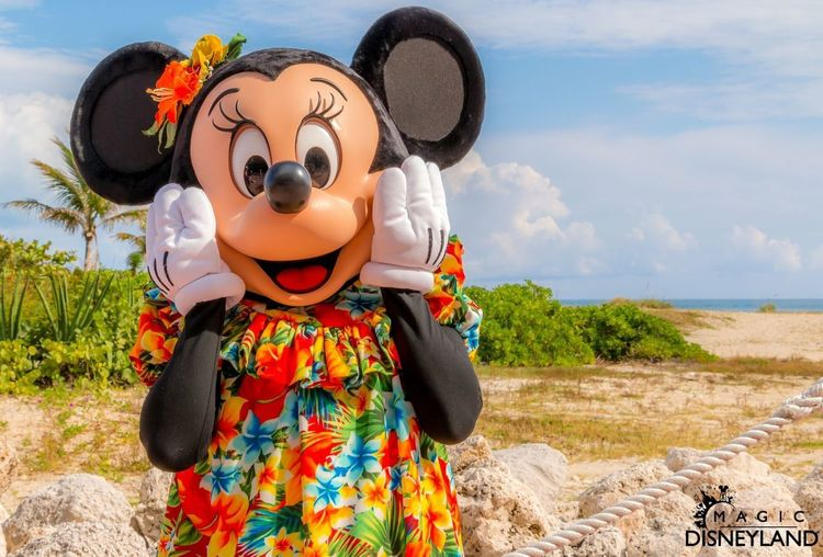 Disneycruise Disney Minnie Mouse Sky Real People Land Nature Leisure Activity Lifestyles Day Water Cloud - Sky