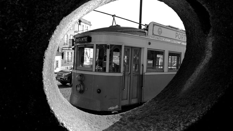 transport of a lifetime Portugalbnw Igers Igersportugal Bnw_of_our_world Bnw Bnw_globe Bnwsouls Bnw_city Bnw_captures Bnw_of_the_world Bnw_magazine Bnw_mood Bnwphotography Blackandwhitephotography Blackisbeautiful P3top Photowall_bnw Photowall NikonD3100 P3 Photographer Weshareportugal Photography Olhares_pt Bnwpics Bnw_top Transportation Day Outdoors No People Close-up Sky