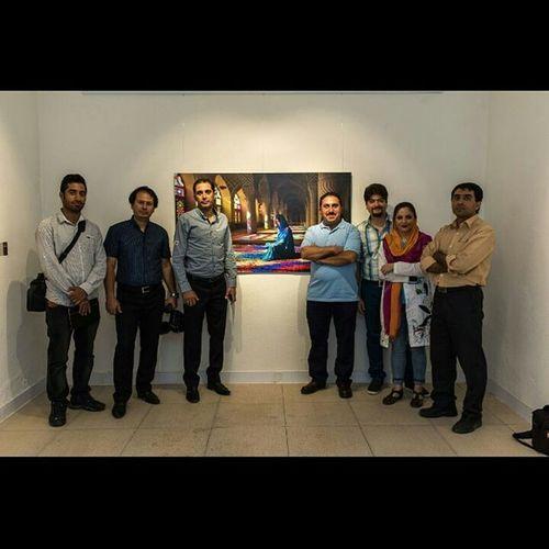 اساتید، دوستان و هنرمندان خوب شیرازی و من، در افتتاحی نمایشگاه ه عکس مسجد رنگها