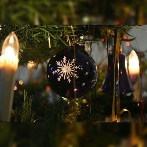 Merry Christmas🎅🎄Christmas Xmas Nikon Nikonphotography Nevertoooldforxmas Man ist nie zu alt für Weihnachten, da schöne deko, die gemeinsame Zeit und einfach die gesamte Atmosphäre, die die Weihnachtszeit verbreitet, jedes Jahr wieder schön ist. @mueller_drogeriemarkt Heimkommen @edeka