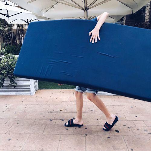 מייסטריט מייגיא IPhoneX מייאייפון10 ShotOnIphone Human Body Part Low Section Body Part Human Leg Women One Person The Art Of Street Photography