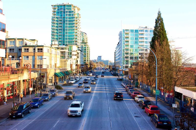 Visited LonsdaleQuayMarket this afternoon. This was taken from the Overpass of Esplanade Avenue North Vancouver,BC Canada👑🎈 Canonphotography Random Streetphotography Eyeemphotography