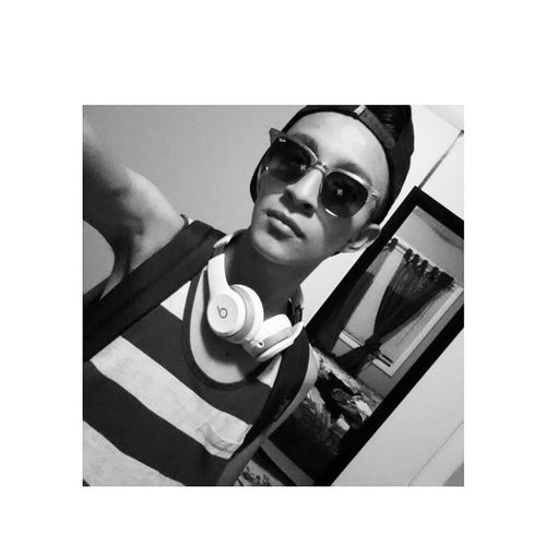 I'm complete now xD I got my Beatsbydre Solo2 Beatsbydre and my beautiful Rayban so what else do I need? Good day everyoneOutfit Instapic IG instafame