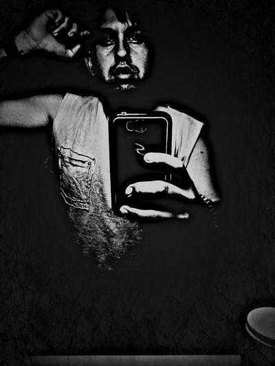 Selfiie Man Despertar Black And White InTheDark