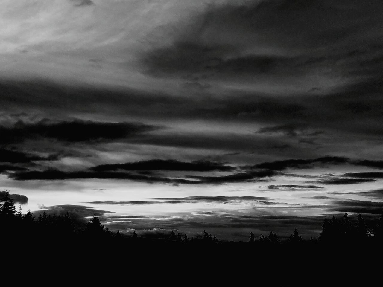 sky, nature, cloud - sky, silhouette, atmospheric mood, tranquility, tranquil scene, scenics, weather, beauty in nature, dusk, tree, no people, storm cloud, sunset, outdoors, landscape, day