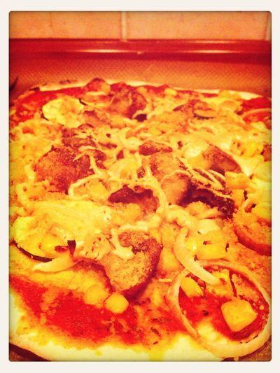 Vegan chicken filet corn pizza