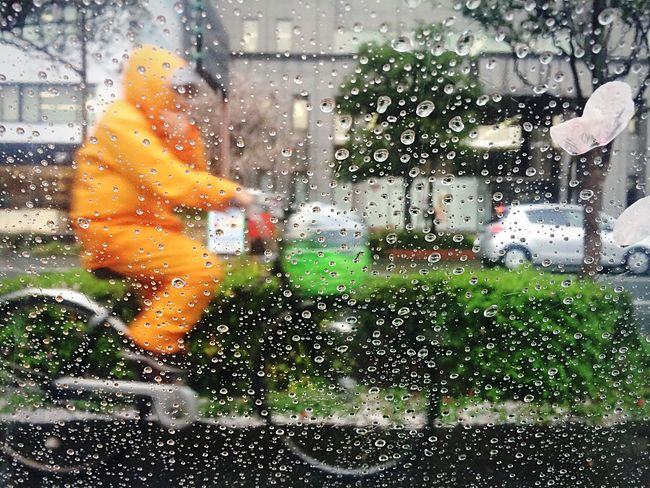 Open Edit Streetphotography Water_collection EyeEm Best Edits Shootermag_japan Taking Photos EyeEm Best Shots Rain Raindrops Orange By Motorola